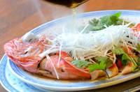 丸ごと蒸篭で金目を一尾蒸します!伊豆の名物金目鯛を伝統中華の技法で★旨味を逃がさない『金目鯛の清蒸』