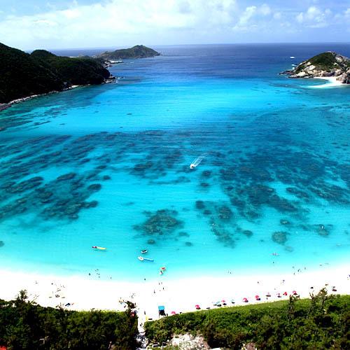 ケラマブルーの美しい海に囲まれた渡嘉敷島に泊まろう!【2食付き】