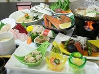 自慢の朝食!★「鮭とイクラの親子丼」が食べられる 旬のお料理1泊2食付プラン〜竹 一のコース〜