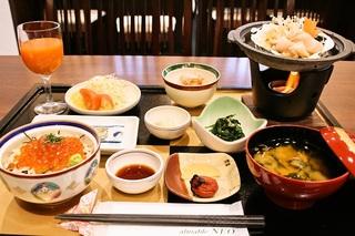 自慢の朝食!★「鮭とイクラの親子丼」が食べられる 1泊朝食付きプラン