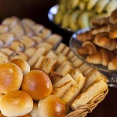 【朝食付】大人気の朝食パン!平日のみ和定食も登場!!■Wi-Fi全室完備