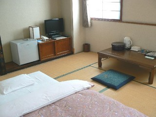 和室6〜8畳★浴場&洗面・トイレ共同利用★