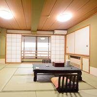 ★寛ぎの和室12畳+リビング4畳・バス・洗浄トイレ付