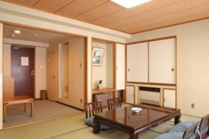 ★低層階限定★和室12畳バス・洗浄トイレ付 【現金特価】