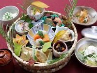 <全館抗ウイルス加工実施済>可愛らしく華やかな一番人気のランチ「花水木御膳」昼食付宿泊プラン