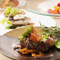 【楽天限定2021タイムセール】北海道唯一の展望回転レストランで味わう季節のコースディナー付
