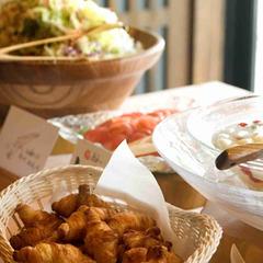【1泊朝食】カラダにやさしいハーフビュッフェの朝ごはん!温泉で湯ったり贅沢気分のビジネスプラン
