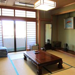 *少し海が見える【新館】和室10畳(海側)