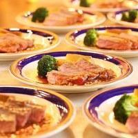 【基本】夏のスタミナ肉フェア開催★牛サーロインステーキ&ローストビーフ丼食べ放題!100種バイキング