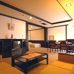 〜デラックスツイン客室に泊まる〜季節のお造りや時期の物、全11品を楽しむ特選会席プラン【漁火の膳】