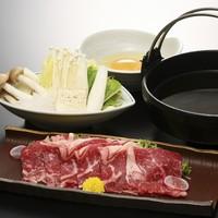 〜季節の豊月膳〜国産牛のすき焼きと海鮮せいろ蒸しをお楽しみいただけます。
