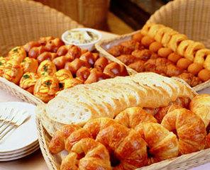 ! ! ! ! ! 朝食は朝6時〜!朝食付きプラン (和洋バイキング) ♪焼き立てパンが食べられます