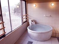 展望風呂付き特別室(陶器風呂)