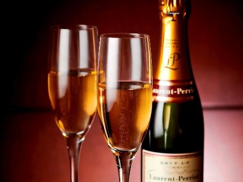 【記念日ステイ】夜景をふたり占め「シャンパンとお花をご用意」アニバーサリープラン(朝食付)