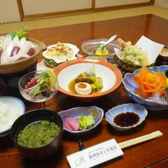 """2食付き◆心地よい汗をかこう!日本古来の入浴法""""かまぶろ""""&季節の和会席を楽しむ。"""