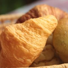 【ひとり旅☆最安値】軽めの夕食と朝食はふわふわパン♪お部屋で食事できるからひとりでも安心!