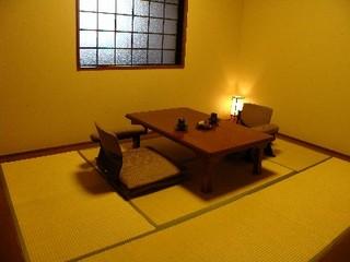 源泉かけ流し半露天風呂付き和室(京間6畳1名〜2名部屋)