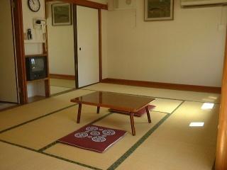 ★和室12畳バス・シャワ-トイレ付★