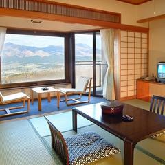 【本館和室8畳・禁煙】 阿蘇五岳を一望できる寛ぎの空間