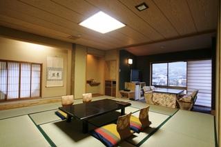 【新館】特別和洋室12.5和室+8畳ツイン+次の間【禁煙室】