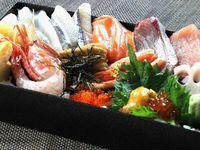 【食事はお部屋でお弁当】夕食は海の幸を詰め込んだ海鮮丼、朝食はおにぎり弁当をご用意☆部屋でのんびり☆