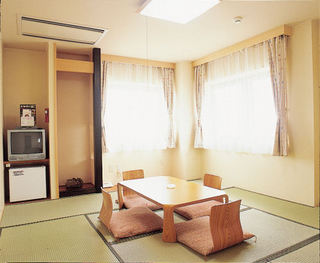 【和室8畳】バス・トイレ付き・無線LAN可能【喫煙】