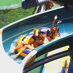 【夏休みファミリープラン】西日本最大の流水プールで遊ぼう!! 海の中道サンシャインプール入場券付!