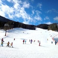 【1日3組限定】お夜食のラーメン付!滑って浸かってバイキングぅ♪ノルン水上スキー場の1日リフト券付!