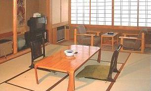 和室6畳 (アウトバス・トイレ)