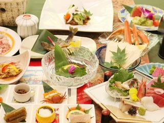 【四季三昧】ランクアッププラン〜宿400年・湯800年 四季が奏でる料理と景色を堪能〜