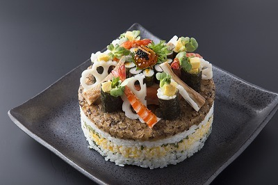 記念日にびっくりサプライズ♪オリジナル寿司ケーキ&ワインをプレゼント♪