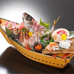 【舟盛り会席】夕食時1人につき1舟!日本海鮮魚10種盛り