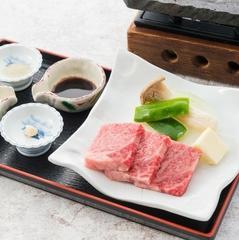 ★茨城の一品・常陸牛溶岩石焼き★あんこう鍋付きバイキングに4種の味付けで楽しむA5牛石焼きを追加