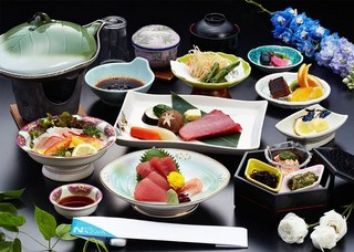 1泊2食<基本プラン>【当館人気】夕食は新鮮な海の幸・山の幸を使った会席料理(10品)を堪能♪