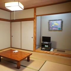 【和室8畳】道路側の眺望で景色は望めないお部屋(トイレ付)