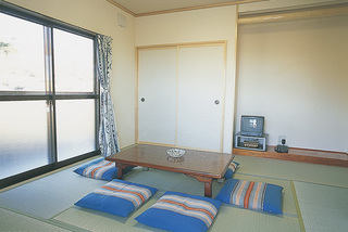 家族グループには畳でゆったりのんびりベランダ付和室