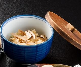 【お日にち限定】秋の味覚◆長野産◆信州牛の陶板焼+松茸1品付きのおススメ和会席プラン♪