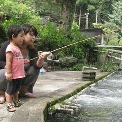 【釣りたてを焼いてもらって喰う☆】「パパみて〜こんなに大きなのが釣れたよ〜♪」の宣伝・告知用プラン。