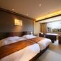 和モダンな雰囲気で過ごすおふたりの為のお部屋【和室10畳】
