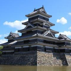 【松本城入場券付】趣のある日本建築で食べる本格会席&信州牛すき焼き鍋♪