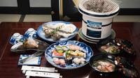 【春夏旅セール】夕食は【部屋食】で伊勢海老と鮑と船盛りをご堪能。<2食付/デラックス>