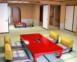 『次の間付き客室』 サイドオーシャンビューの8畳+13.5畳