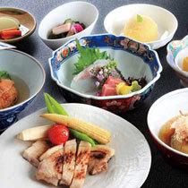 【領収書合算OK】ホテルde晩ごはん☆日本料理『銀座』の月替わり御膳一泊二食セットプラン