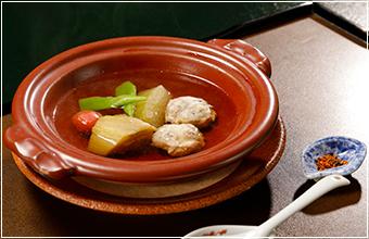 素材を活かす伝統懐石料理