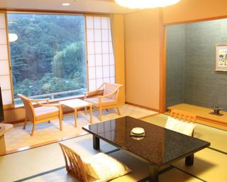 【和室10畳+広縁】4階〜5階・当館のスタンダード客室