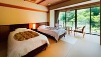 [和ツイン/禁煙/バストイレ付]ベッドのあるお部屋30平米