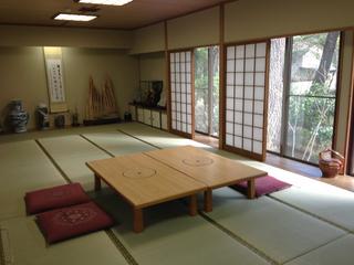 日本庭園が眺めの広々25畳特別和室。貸し切り風呂!