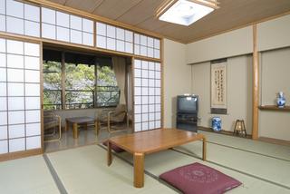 無料貸切露天風呂!日本庭園が眺めの和室10畳