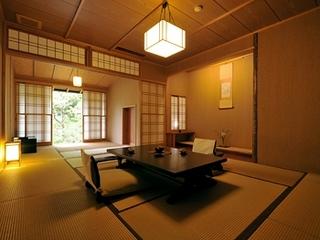 山王院「澄」二間続き 専用庭園のある贅沢な設え〜庭園露天風呂