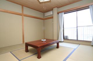 天然温泉掛け流しの湯と和室4.5畳